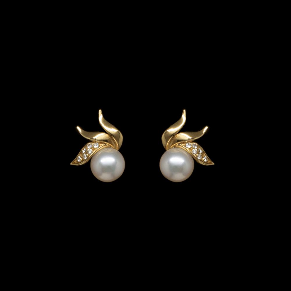 Orecchini A Lobo In Oro Giallo Perle E Diamanti Obp110